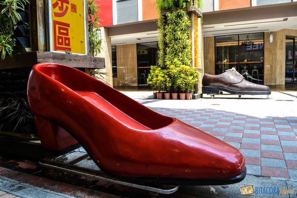viajar a taiwán - zapatos en taipei